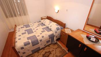 Two bedroom apartment, 100 m from the sea, 4 persons, SAT-TV, 8