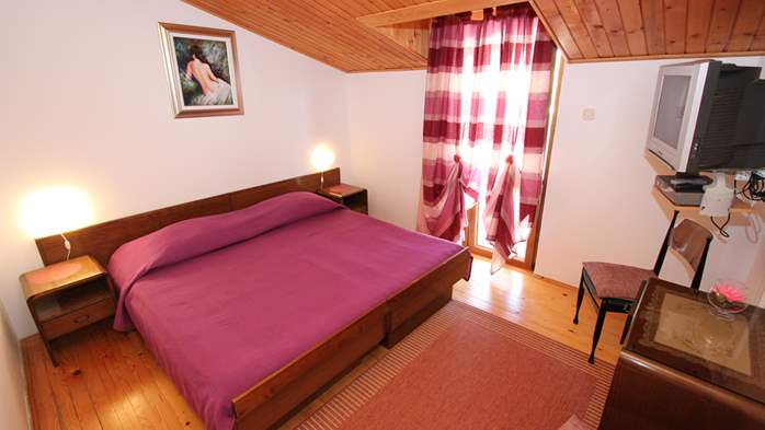 Room with bathroom in the attic for two persons, SAT-TV, balcony, 2