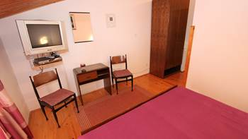 Room with bathroom in the attic for two persons, SAT-TV, balcony, 3