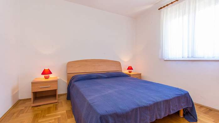 Friendly apartment close to natural park Kamenjak for 4 persons, 1