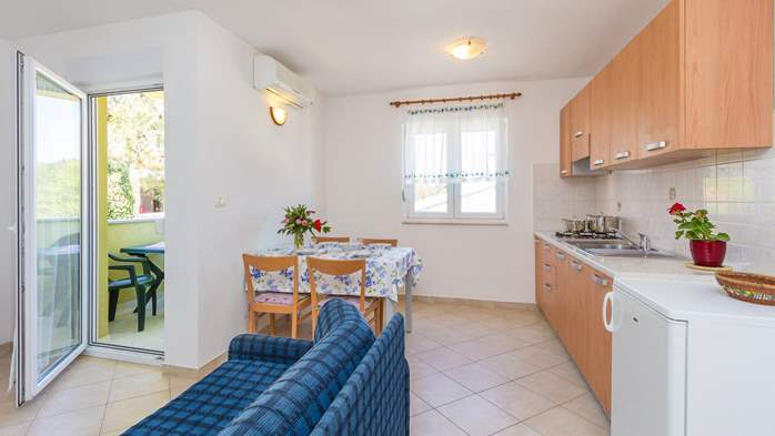 Friendly apartment close to natural park Kamenjak for 4 persons, 3