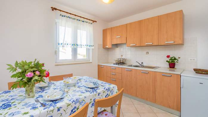 Friendly apartment close to natural park Kamenjak for 4 persons, 7