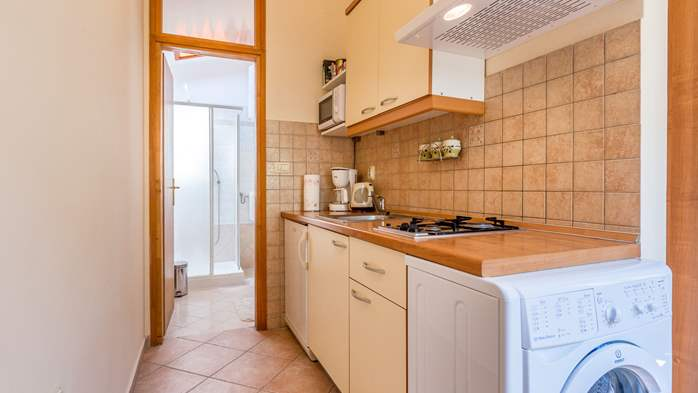 Air conditioned house for two persons, with terrace, in Pula, 14