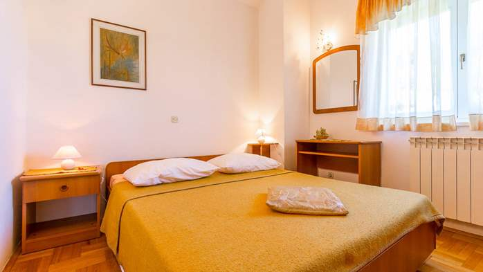 Apartment in the attic with an unbeatable sea view in Pula, 4
