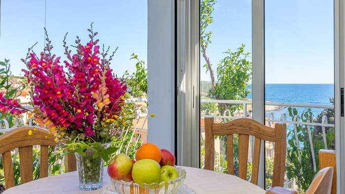 Apartment in the attic with an unbeatable sea view in Pula, 2