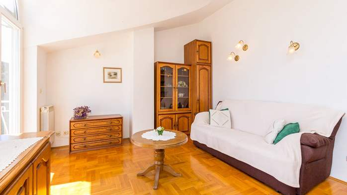 Two bedroom apartment in Pula with magnificent sea view, 4