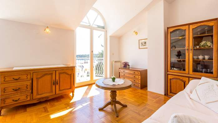 Two bedroom apartment in Pula with magnificent sea view, 5