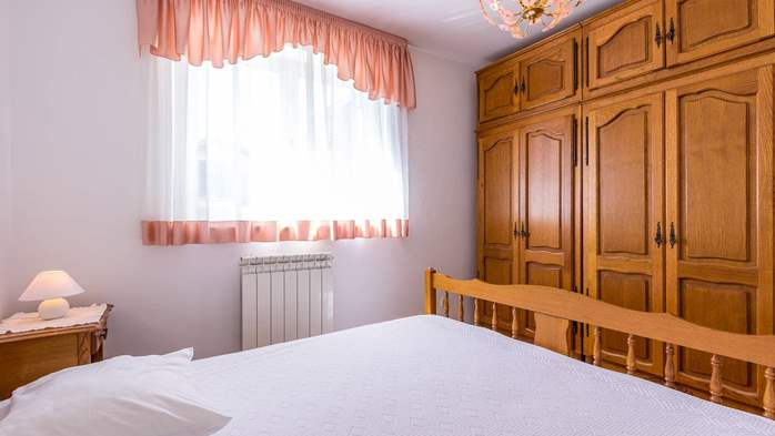 Two bedroom apartment in Pula with magnificent sea view, 15