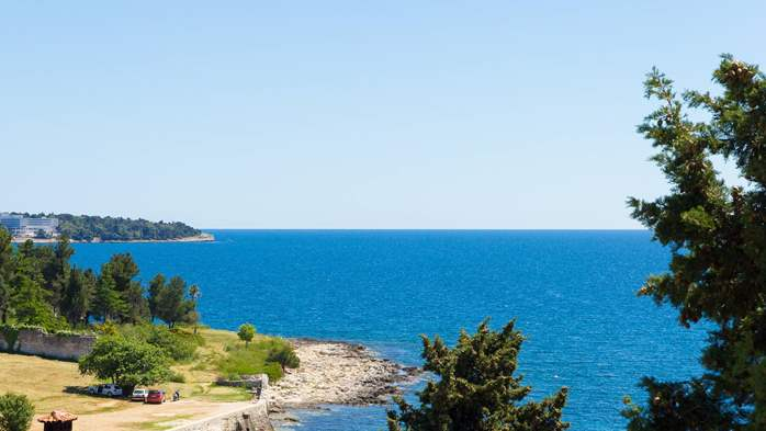 Two bedroom apartment in Pula with magnificent sea view, 17