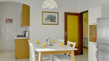 Two bedrooms in apartment for 4-5 persons with private terrace, 6
