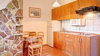 Beautifully decorated apartment with stone details, swimming pool, 2