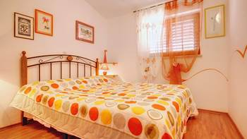 Beautifully decorated apartment with stone details, swimming pool, 3