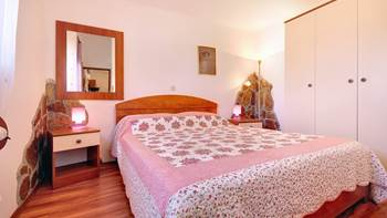 Beautifully decorated apartment with stone details, swimming pool, 4