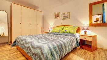 Comfortable apartment for 4 people in Pula,free WiFi, shared pool, 2