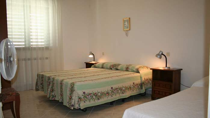 Apartment for 7 persons with two bedrooms, WiFi, SAT-TV, balcony, 3