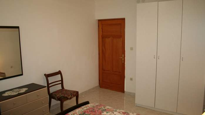 Apartment for 7 persons with two bedrooms, WiFi, SAT-TV, balcony, 2