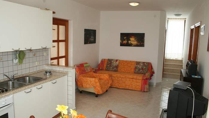 Apartment for 7 persons with two bedrooms, WiFi, SAT-TV, balcony, 6