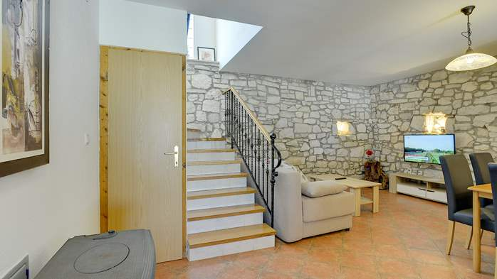 Villa with private pool, decorated in traditional Istrian style, 25