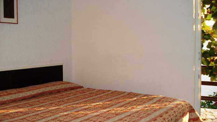 Apartment on the 1st floor for 2-4 persons, free WiFi, SAT-TV, 5