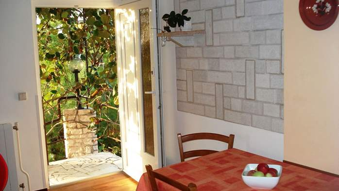 Apartment on the 1st floor for 2-4 persons, free WiFi, SAT-TV, 2