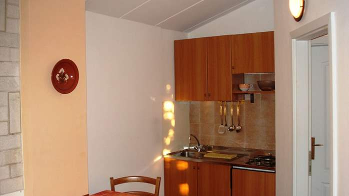 Apartment on the 1st floor for 2-4 persons, free WiFi, SAT-TV, 4