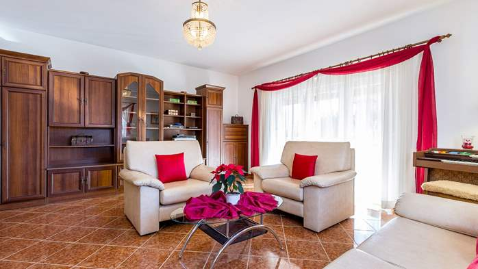 Holiday house in Ližnjan with spacious and charming interior, 9