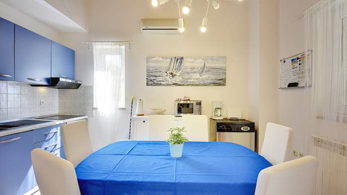 Holiday home with private pool, sun terrace, barbecue in Banjole, 16