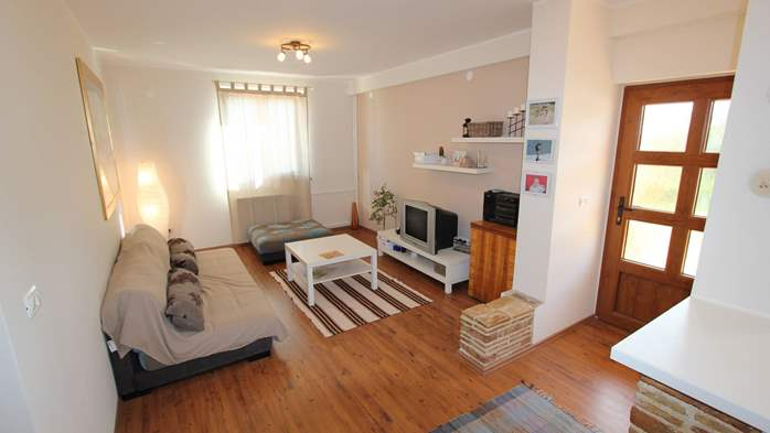 Cozy and homey apartment in Fažana, with free WiFi and SAT-TV, 1