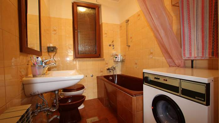Cozy and homey apartment in Fažana, with free WiFi and SAT-TV, 7