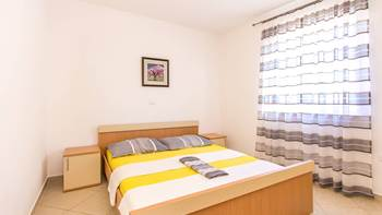 Apartment with double room for 4 persons, parking, WiFi, SAT-TV, 7