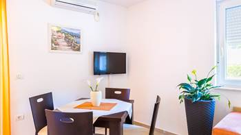 A tastefully furnished apartment for 5 persons with two bedrooms, 5