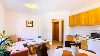 Comfortable apartment in Medulin for 5 persons, private balcony, 1
