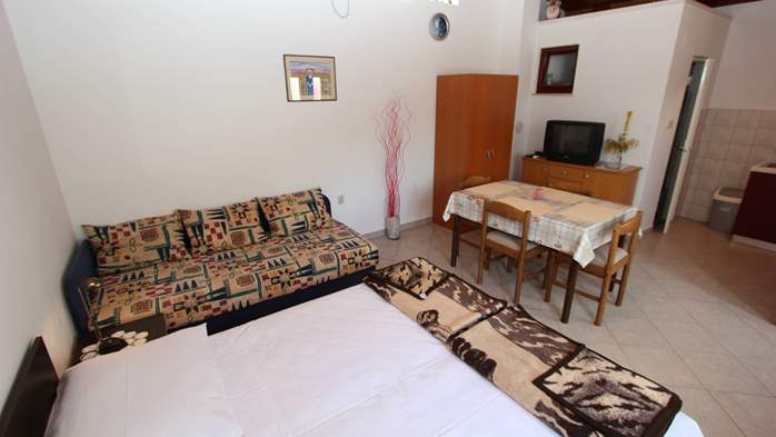 Lovely holiday house in Medulin for 3 persons with nice garden, 11
