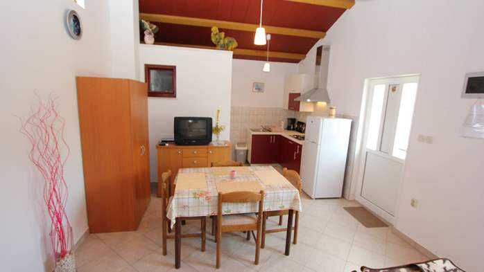 Lovely holiday house in Medulin for 3 persons with nice garden, 15