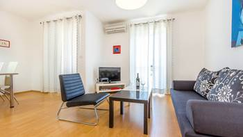 Modern apartment for 4 persons with private balcony in Premantura, 4