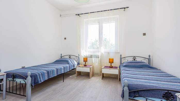 Modern apartment in Valbandon for 4 persons and 2 bedrooms, 9