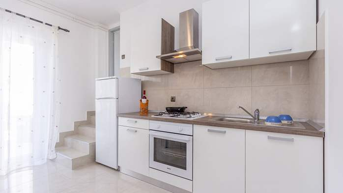 Modern apartment in Valbandon for 4 persons and 2 bedrooms, 4