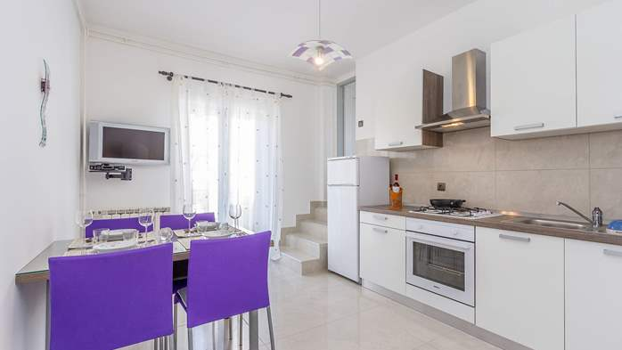 Modern apartment in Valbandon for 4 persons and 2 bedrooms, 1