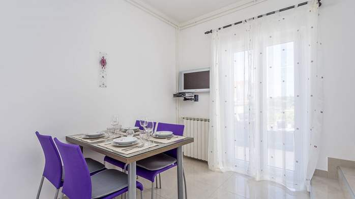 Modern apartment in Valbandon for 4 persons and 2 bedrooms, 2