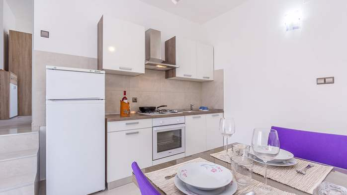Modern apartment in Valbandon for 4 persons and 2 bedrooms, 3