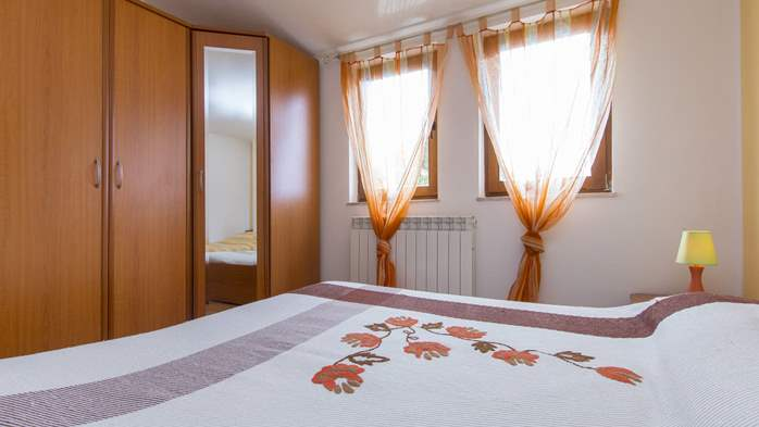 Villa in Ližnjan with private pool, can host up to 13 persons, 44