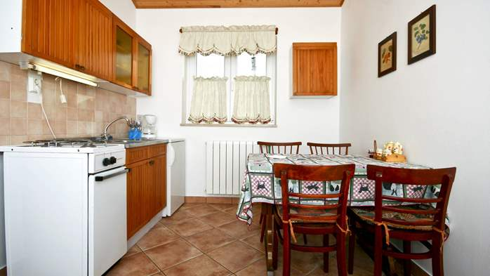 Apartment on the ground floor for 2-4 persons, SAT-TV, garden, 2
