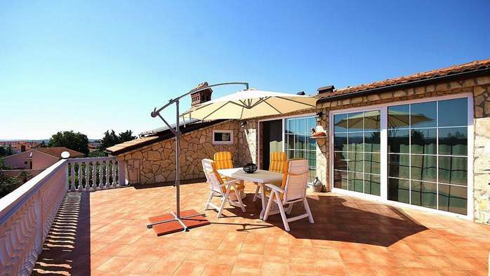 Beautiful, rustic style apartment with sea view and pool, WiFi, 11