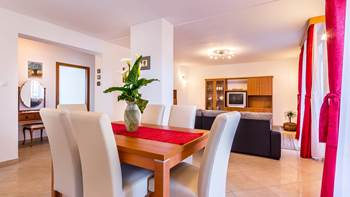 Spacious 3 bedroom apartment with wonderful covered terrace, 1