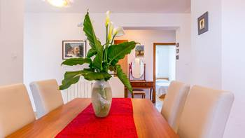 Spacious 3 bedroom apartment with wonderful covered terrace, 6