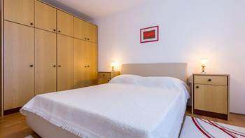 Spacious 3 bedroom apartment with wonderful covered terrace, 12