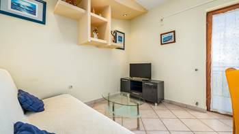 Second-floor apartment, with 2 bedrooms, sea view balcony, WiFi, 2