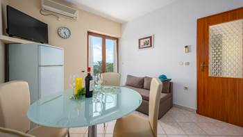 Apartment for 4 persons, on the second floor, sea view balcony, 8