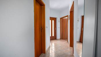 Air conditioned apartment for 5 persons on the first floor, WiFi, 12