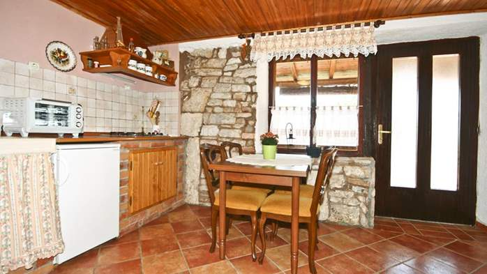 Istrian house in wood and stone on two floors for 4 persons, 30